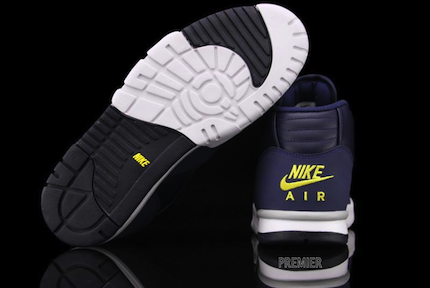 ナイキ エアトレーナー 1 ミッド プレミアム ミシガン(Nike Air Trainer 1 Mid Premium Michigan)