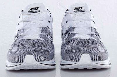 ナイキ フライ・ニット・トレーナー+ ホワイト/ブラック(Nike Flyknit Trainer+ White/Black)