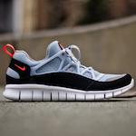 ナイキ・フリー・ハラチ・ライト グレー/ブラック(Nike Free Huarache Light Grey/Black)
