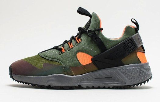 NIKE AIR HUARACHE UTILITY CARBON GREEN