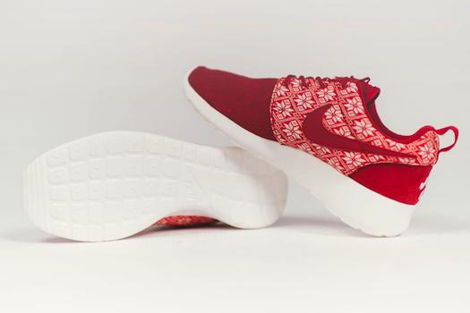 Nike Roshe One Winter x Yeti Sweater
